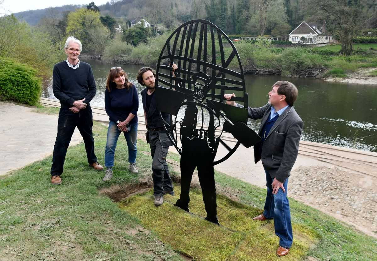 The unveiling of the sculpture.  Image: David Bagnall.